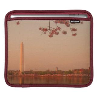 Washington Monument Sakura at sunset. Sleeve For iPads