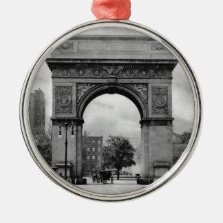 Washington Square Arch Silver-Colored Round Decoration