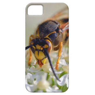 Wasp on white flower barely there iPhone 5 case