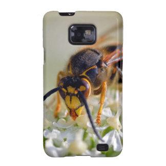 Wasp on white flower galaxy SII case