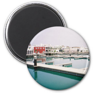Water or Glass? 6 Cm Round Magnet