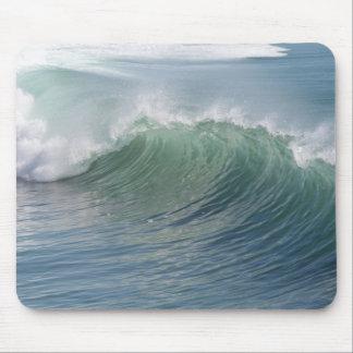 Wave break mouse mat