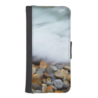 Waves Breaking Onto Pebbles, Tsitsikamma iPhone SE/5/5s Wallet Case