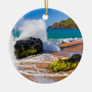 Waves crash on the beach, Hawaii Round Ceramic Decoration