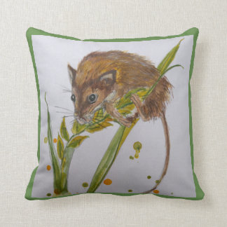 Wee Moose harvest mouse on stalk cushion