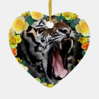 Wellcoda Flower Tiger Wild Cat Nature Law Ceramic Heart Decoration