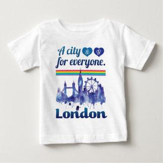 Wellcoda Friendly London City UK GB Love Baby T-Shirt