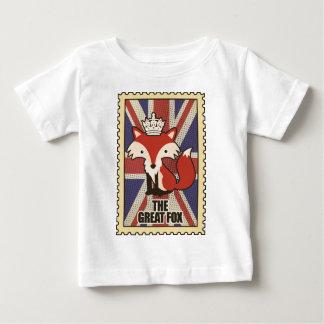 Wellcoda Great Britain Fox Crown UK Royal Baby T-Shirt