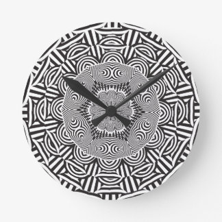 Wellcoda Indian Style Illusion Optical Round Clock