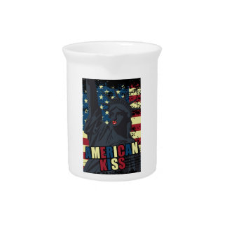 Wellcoda Liberty Statue Kiss America Lips Pitchers