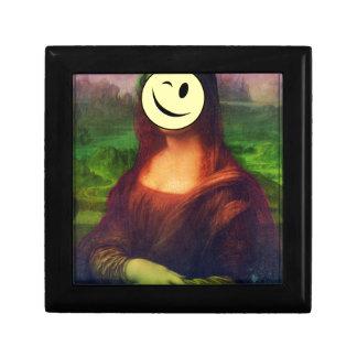 Wellcoda Mona Lisa Smile Face Funny Emoji Gift Box