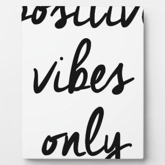 Wellcoda Positive Vibes Only UK Positivity Plaque