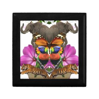 Wellcoda Wild Animal Paradise Pearl Clam Gift Box