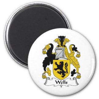 Wells Family Crest 6 Cm Round Magnet