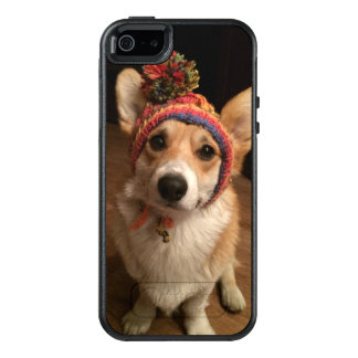 Welsh Corgi Pembroke Wearing A Hand Knitted Hat OtterBox iPhone 5/5s/SE Case