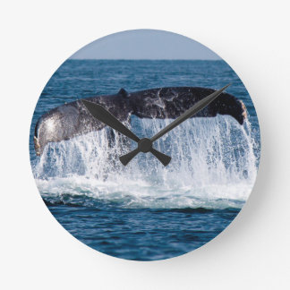 Whale Tail Round Clock