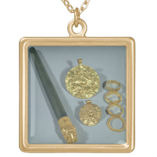 Whetstone and rings with granulated decoration, Su Gold Plated Necklace