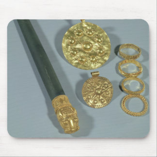 Whetstone and rings with granulated decoration, Su Mouse Pad