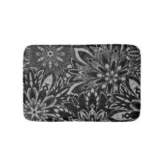 White and black mandala pattern bath mat