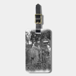 White and black sheep drawing luggage tag
