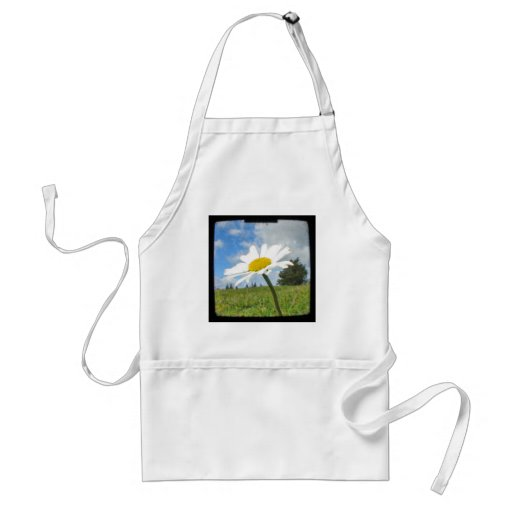 White and Yellow Daisy Apron