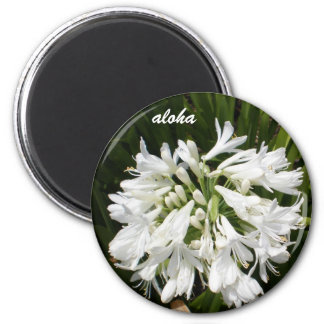 white blooms aloha 6 cm round magnet