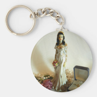 White Bridal I Basic Round Button Key Ring