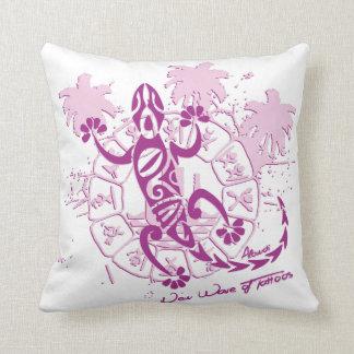 White cushion horoscope lizard F
