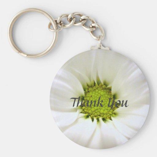 white daisy flower weddings keychain