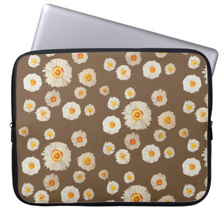 White Daisy Flowers Neoprene Laptop Sleeve 15""