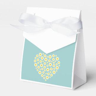 White Daisy Heart Tent Favour Box
