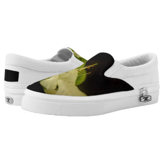 White flower in the darkness Slip-On shoes