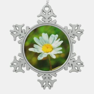 White flower macro ornament