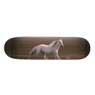 White horse 20.6 cm skateboard deck