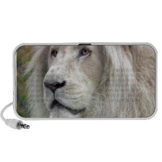 White lion travel speaker