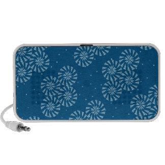 White on Blue Snowflake Winter Holiday Pattern Mp3 Speaker