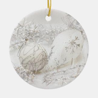 White on silver round ceramic decoration