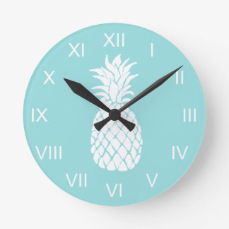 white pineapple round clock