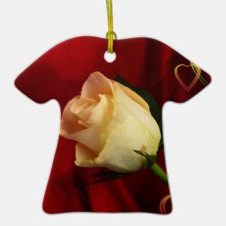 White rose on red background ceramic T-Shirt decoration