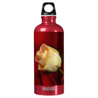 White rose on red background SIGG traveller 0.6L water bottle