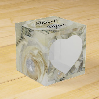 white roses and pearls gift box wedding favour boxes