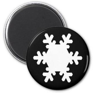 WHITE SNOWFLAKE 6 CM ROUND MAGNET