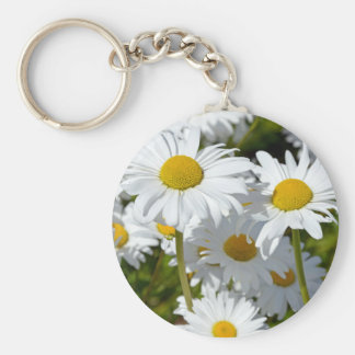 White spring daisies basic round button key ring