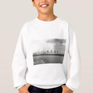White Star Line - Titanic - Sailing on its Voyage Sweatshirt