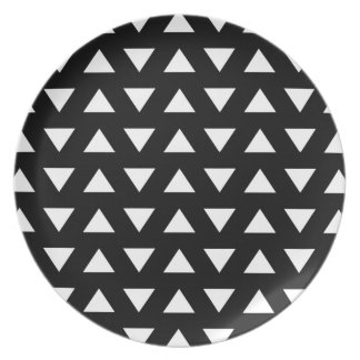 White Triangles on Black. A geometric Pattern. Dinner Plate