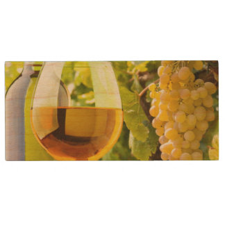 White Wine And Grapes Wood USB 2.0 Flash Drive