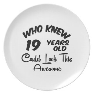 Who Knew 19 Years Old. Party Plates