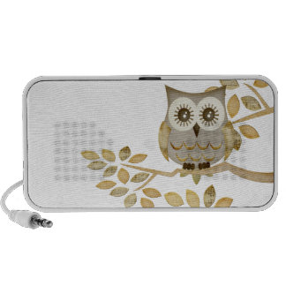 Wide Eyes Owl in Tree Doodle iPod Speaker