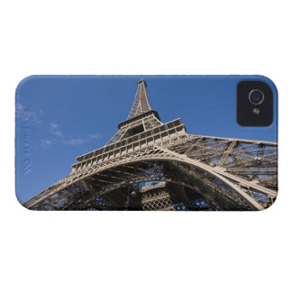 wide view looking up at the Eiffel Tower iPhone 4 Cases