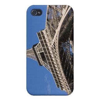 wide view looking up at the Eiffel Tower iPhone 4 Covers